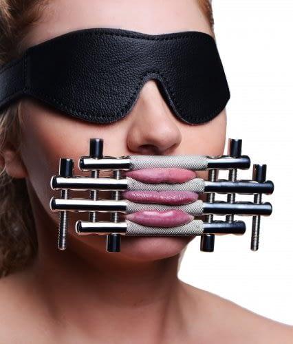 Lips And Tongue Press-7250
