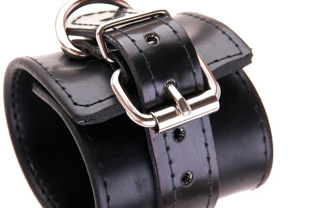 Professional Rubber Cuff Close Up