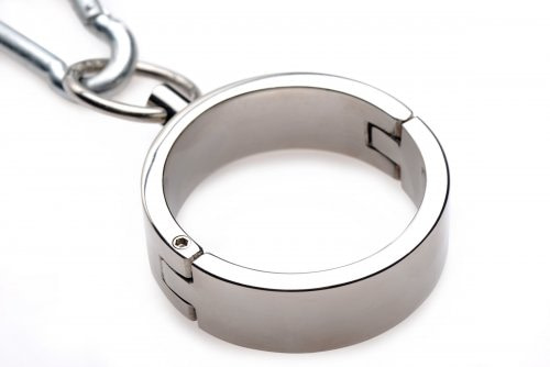 Stainless Steel Yoke with Collar and Cuffs Close Up