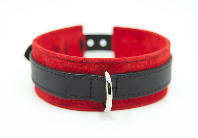 Large & Not Incharge Submissive Training Collar Red