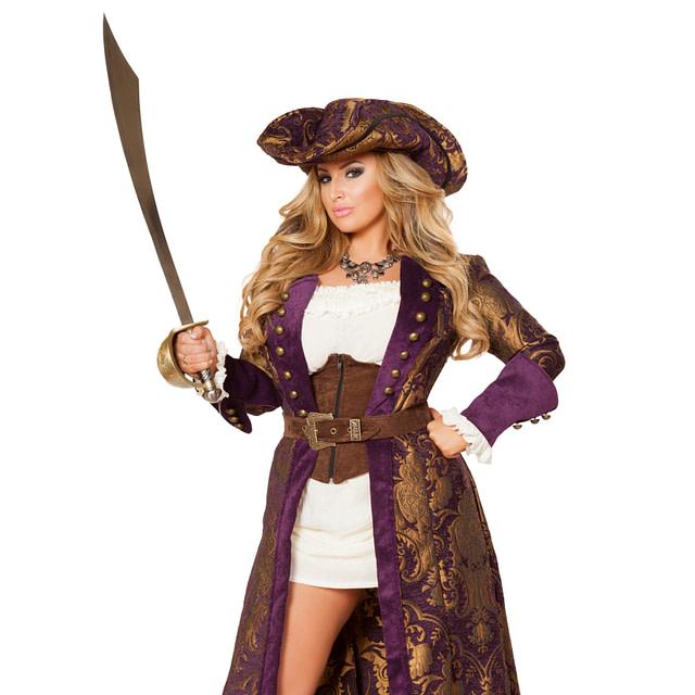 Decadent Pirate Diva Queen
