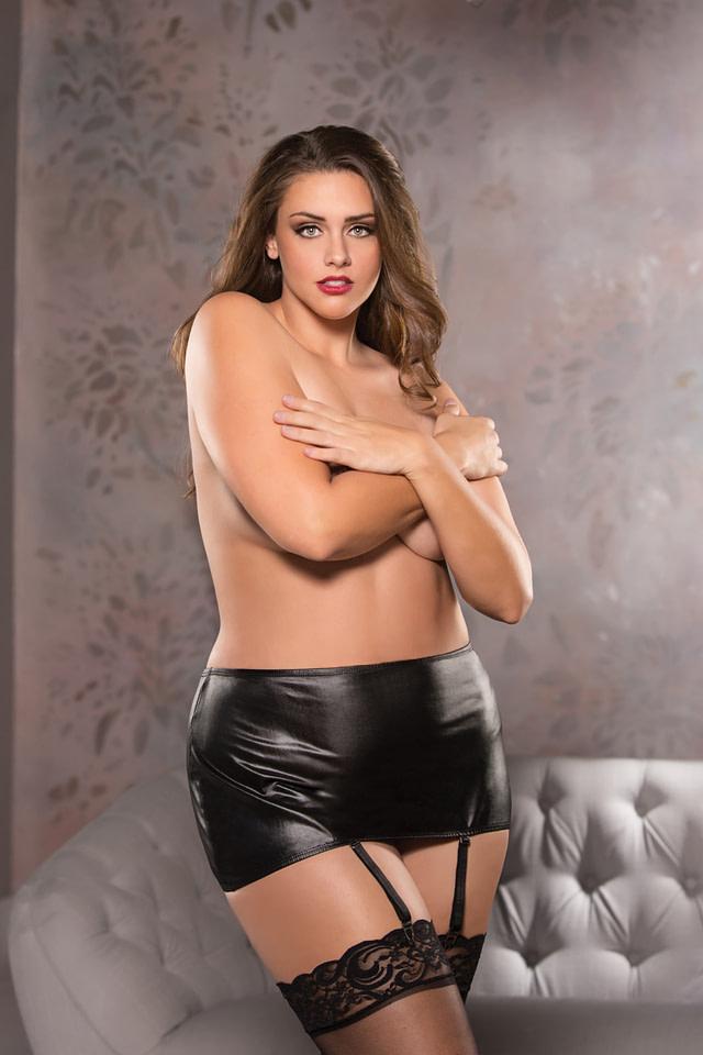 Exposed Garter Skirt Plus Size
