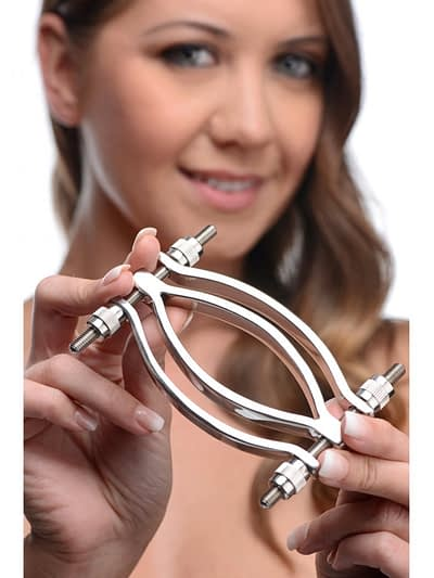 Adjustable Pussy Clamp With Model